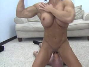 hot muscle women