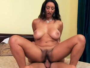 Mature arabian woman Persia Monir rides young hose