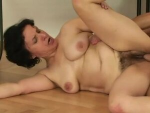 Mature hairy hairy pussy fuck