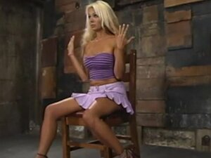 hot girl in miniskirt from BravoTeens